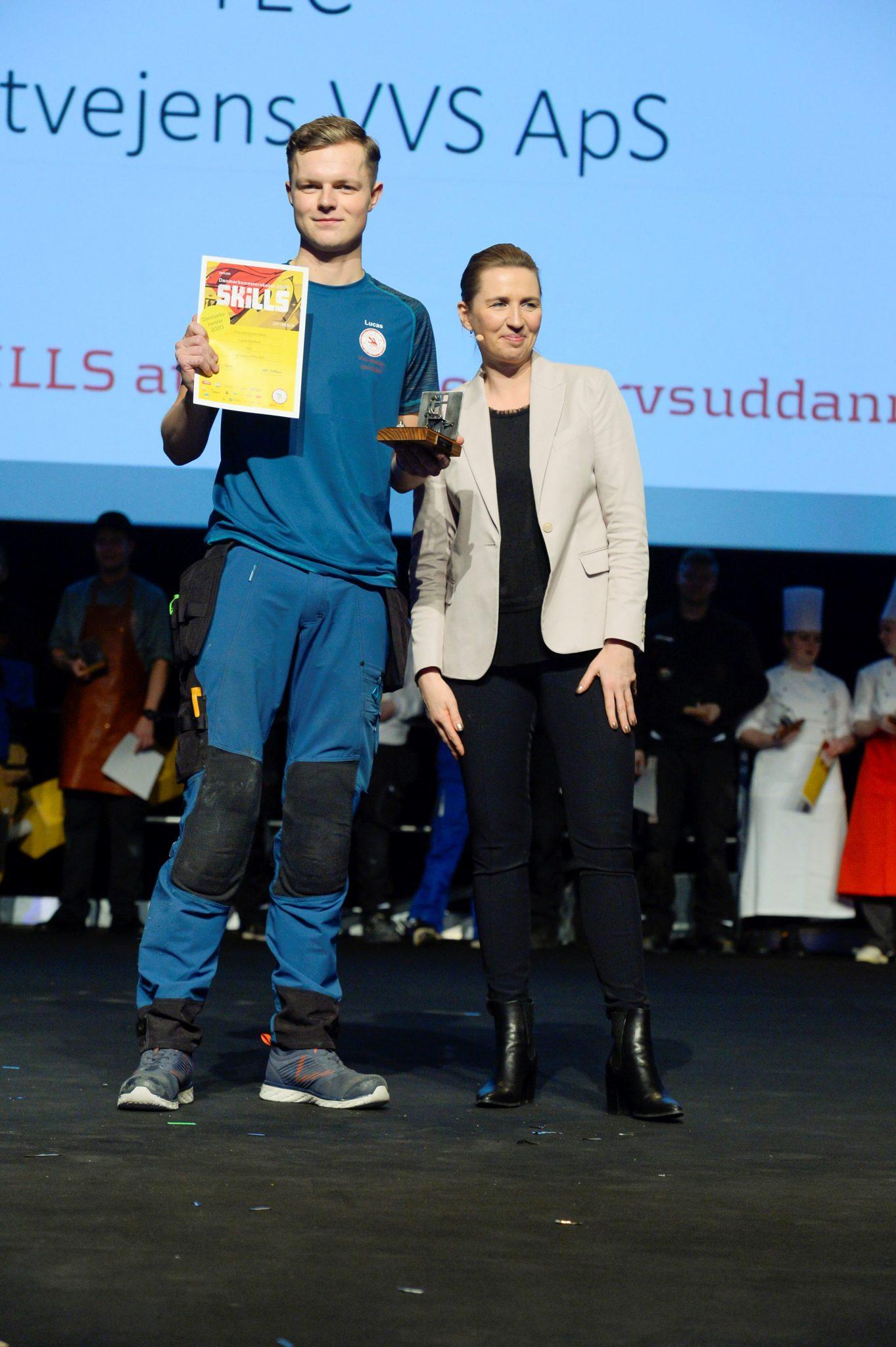 Lucas bliver fejret af Statsminister Mette Frederiksen