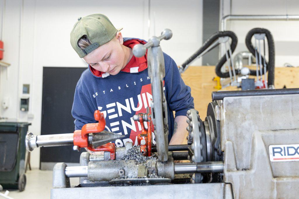 Stine er igang med vvs-energiuddannelsen på techcollege i Aalborg